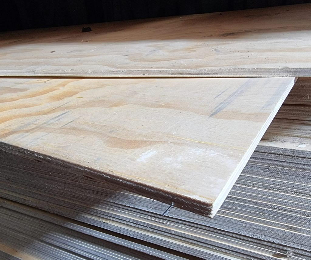 CHINESE SOFTWOOD WBP PLY