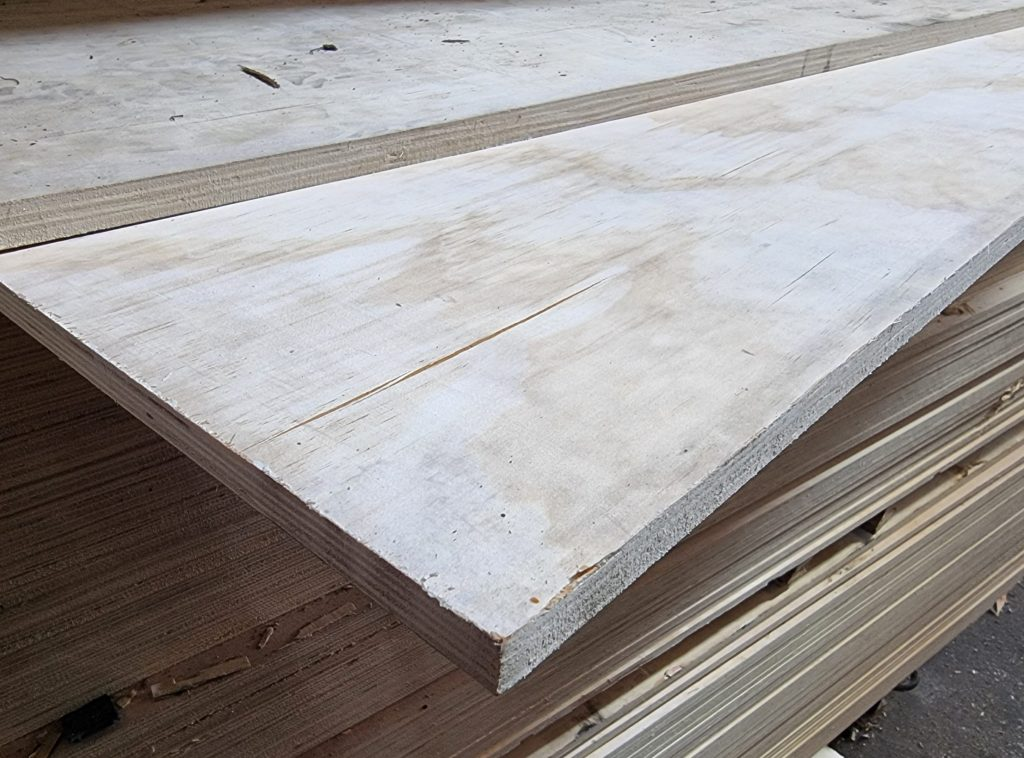 CHINESE SOFTWOOD PLY